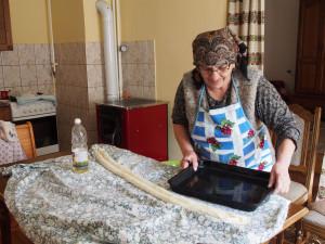 Mira's making pita for breakfst. - - - - - Mira néni krumplis pitát készít nekünk reggelire.